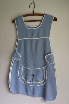 darling vintage light blue full apron with by acupfullofsunshine, $6.00
