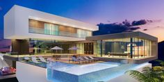 Navegue por fotos de Piscinas modernas: Projeto. Veja fotos com as melhores ideias e inspirações para criar uma casa perfeita.