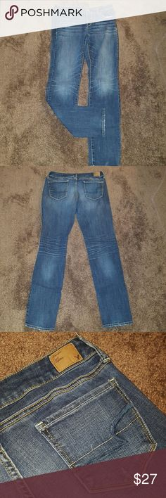 SKINNY Jeans American Eagle ~ Wore Once Size 10 regular ~ 99% cotton 1% spandex. Perfect pair of jeans just no longer my size. Only wore once for about 2 hours to a party. So they are like new. Skinny jeans are perfect for fall! American Eagle Outfitters Jeans Skinny