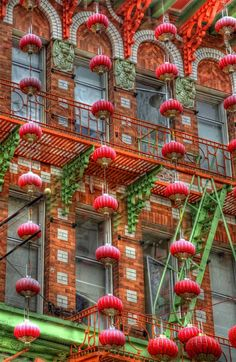 Red of China town