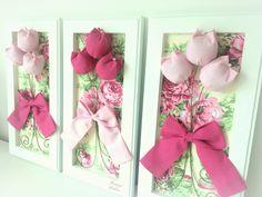 Quadrinho Provençal (madeira), em pátina c/ tulipas e tecido. * Valor referente ao trio de quadros.