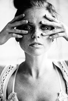 Model Widget photography by Photographer Thomas Ruppel, Eschborn, Portrait Lisa Thomas, Nude Photography, Portrait Photographers, Monochrome, Cool Pictures, People, Model, Beautiful, Contemporary Photography