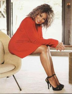 Anna Mae Bullock b. Tina Turner @ 76 years old Beautiful Black Women, Amazing Women, Beautiful People, Divas, Ike And Tina Turner, Tina Turner Young, Ageless Beauty, Thing 1, Sexy Older Women