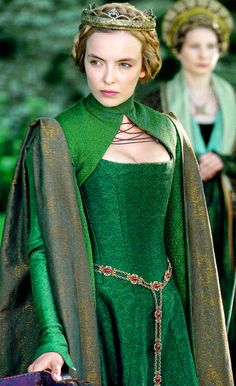 Lady Morganna dressed in the attire of an Oonaghian Druid apprentice