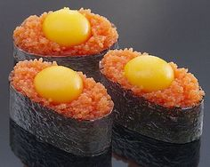 Quail egg and fish roe sushi