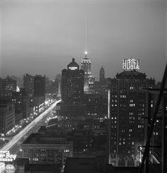 Michigan Avenue/ Hotel St Clair/ Palmolive Bulding/ Allerton Hotel (1948)