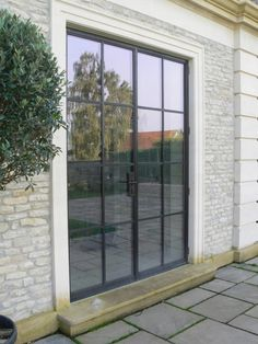 Our Mondrian External Doors offer slim steel frames in an industrial design with high levels of insulation from the thermally broken frames.