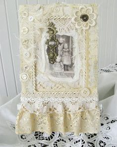 Shabby Chic Inspired: altered picture frame