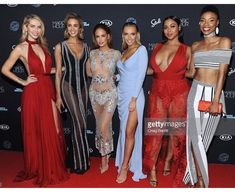 Models Olivia Jordan, Allie Ayers, Haley Kalil, Camille Koste, Tabria Majors and Iyonna Fairbanks attends Sports Illustrated Swimsuit 2018 Launch Event at Magic Hour at Moxy Times Square on February 2018 in New York City. Sports Illustrated, Olivia Jordan, Jordan Photos, Press Tour, Si Swimsuit, Man In Love, Single Women, Product Launch, Swimsuits