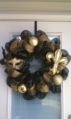 saints+wedding+ideas   Source: http://www.etsy.com/listing/90454143/new-orleans-saints-wreath