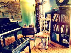 an organized piano music studio. So refreshing.http://pinterest.com/pin/284571270176578229/repin/
