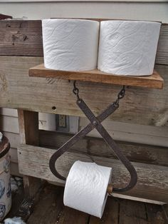 Vintage Ice Tongs repurposed into a toilet paper holder plus shelf to hold 2 spare rolls. Farm Decor, Recycling, Primitive Decorating, Decorative Household Items, Vintage Bathrooms, Toilet Paper Holder, Primitive Bathrooms, Repurposed Items, Primitive Furniture