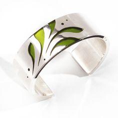 Klara Abaffy bracelet - Colored resin, silver,   stylized plant motifs