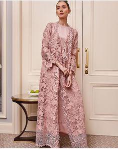 Dress Brokat Muslim, Dress Brokat Modern, Muslim Dress, Model Kebaya Modern, Simple Cocktail Dress, Kebaya Lace, Moslem Fashion, Hijab Dress Party, Simple Dress Pattern