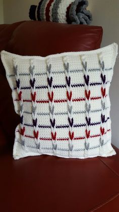 Crochet Cushion cover using loops for braided effect