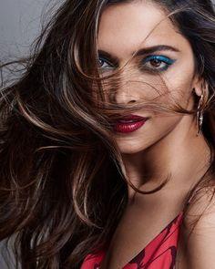 Sexy photoshoot images of Deepika & Kareena! Deepika Ranveer, Deepika Padukone Style, Aishwarya Rai, Bollywood Stars, Bollywood Fashion, Indian Film Actress, Indian Actresses, Bollywood Celebrities, Bollywood Actress