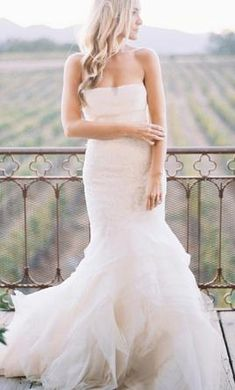 Vera Wang Fawn: buy this dress for a fraction of the salon price on PreOwnedWeddingDresses.com