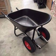 Homemade Tools, Diy Tools, Wheel Barrow Ideas, Yard Tools, Wrought Iron Doors, Utility Cart, Tool Sheds, Bench Plans, Welding Projects