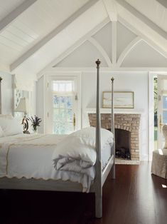"""This would be the perfect """"summer house"""" bedroom.. ya know, for when I win the lottery."""