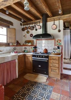 rustic kitchen in a country house lovely cabinet curtains rooms rustic kitchens pinterest kitchens shabby and house - Rustikale Primitive Kchen