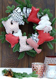 Weihnachtskranz | Türkranz mit genähten Weihnachtsbäumen, Stiefeln, Sternen, Glocken, Trompeten & Herzen | waseigenes.com