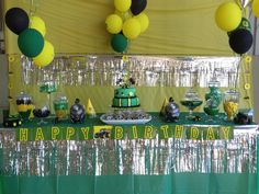 Johann P's Birthday / John Deere Tractors - Hes turning two at Catch My Party Tractor Birthday, Farm Birthday, 4th Birthday Parties, Birthday Ideas, Cowboy Theme Party, Farm Party, John Deere Party, Candy Bar Party, Party Time
