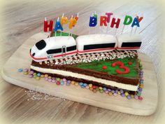 ICE train cake fondant 3 birthday child boy Milchschnitte Kuchen Torte Geburtstag Kinder Vonnis Sugar Creations Thomas Cakes, Gateaux Cake, 4th Birthday, Birthday Cakes, Cakes For Boys, Fondant Cakes, Ice Zug, Kids And Parenting, Amazing Cakes