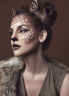 Are you looking for ideas for your Halloween make-up? Browse around this site for creepy Halloween makeup looks. Easy Halloween Makeup, Visage Halloween, Maquillage Halloween Simple, Halloween Makeup Looks, Couple Halloween Costumes, Halloween Ideas, Haloween Makeup, Deer Costume For Kids, Creepy Halloween