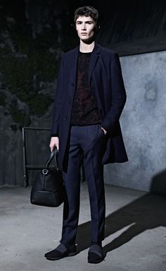 Discover the HUGO Menswear Party Collection, featuring modern suits and sportswear with unconventional attitude Hugo Men, Hugo Boss, Modern Suits, Casual Wear, Sportswear, Women Wear, Normcore, Mens Fashion, Stylish