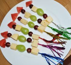 Die 9 schönsten Ideen für Silvester mit Kind New Year's Eve with a child can be a real challenge. Here are the 9 most beautiful ideas that make the party even more beautiful. New Years Eve Food, New Years Party, Bolo Rapunzel, Silvester Snacks, Party Silvester, Diy Silvester, Smoothie Recipes, Snack Recipes, Saint Sylvestre