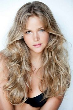 Everyone has a different hair color preference, but certainly the most sought-after color is the one and only: blonde. While going blonde might seem like the ideal hair color to choose for your nex… Long Layered Hair, Long Curly Hair, Wavy Hair, Curly Hair Styles, Natural Hair Styles, Afro Hair, Curly Hair Layers, Natural Beauty, Teen Hairstyles