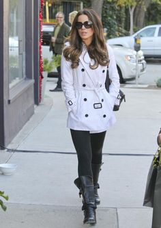 Kate Beckinsale wearing a Burberry trench coat