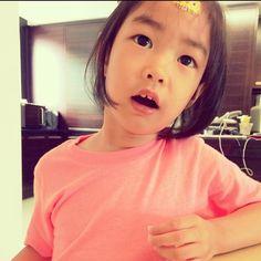 """Lee Haru: """"a mosquito bit me"""" Tablo Epik High, Lee Haru, Superman Cast, Alternative Hip Hop, K Idol, Cute Kids, Kdrama, Daughter, Children"""