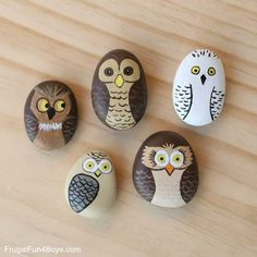 Painted rocks rock painting ideas easy, painting for kids, diy pain Rock Painting Ideas Easy, Rock Painting Designs, Painting For Kids, Diy Painting, Pour Painting, Pebble Painting, Pebble Art, Stone Painting, Summer Crafts