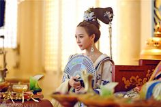 Tang Dynasty Hairstyles: Follow the clouds 随云髻