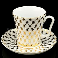 Porcelain Mugs, China Porcelain, Tea Cup Saucer, Tea Cups, Coffee Cups, Coffee Cup Design, Red Rooster, Gold Cup, Tea Service