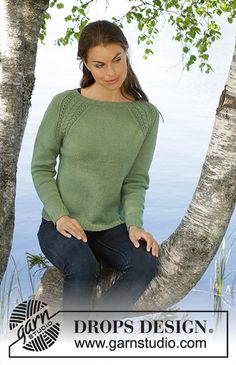 Green Wood / DROPS - Knitted fitted sweater in DROPS BabyAlpaca Silk. The piece is worked in stockinette stitch with raglan and cables. Sizes S - XXXL. Sweater Knitting Patterns, Knit Patterns, Baby Knitting, Pull Poncho, Magazine Drops, Drops Patterns, Drops Design, Top Pattern, Pulls