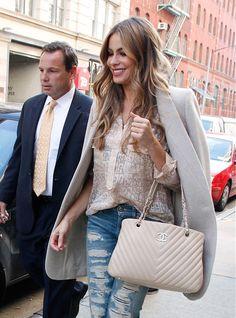 50 Celebrities Carrying Chanel BaGS- Sophia Bergara