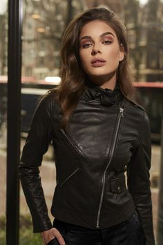 IBANA FW 2018 Campaign Leather Fashion, Beautiful Women, Leather Jacket, Blazer, Jackets, Outfits, Beauty, Campaign, Portraits