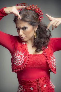 Flamenco Costume, Flamenco Skirt, Flamenco Dancers, Spanish Dress, Spanish Dancer, Spanish Style, Matador Costume, Beautiful Latina, Spanish Fashion