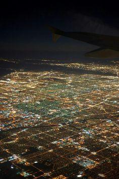 LA City Lights - View of Los Angeles at night, from an airplane. LA City Lights – View of Los Angeles at night, from an airplane. The Effective Pictures We Offer Los Angeles At Night, Voyage Usa, California Dreamin', California Camping, California English, San Fernando Valley, City Of Angels, Night City, Birds Eye View