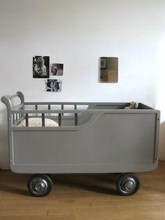 Berceau ancien - Meubs, un peu plus que des meubles   VintageAddict   Scoop.it