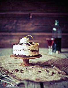 small cake pedestal