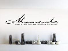 Wandtattoo Momente im minimalistischen Schaufenster
