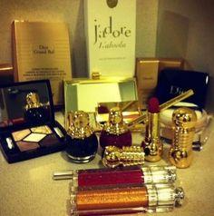 http://www.vivirbienesunplacer.com/todos/maquillaje-para-nochevieja-grand-bal-dior/