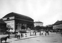 Budapest Hungary, Old Photos, Monochrome, Taj Mahal, Louvre, Street View, History, Retro, Building