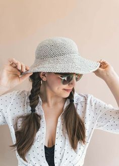 Crochet this easy beginner friendly June Sun Hat with my free pattern and video tutorial! #crochet #diy #howto #freepattern #freecrochetpattern #easy #beginner #videotutorial #video #sunhat #crochethat #summer