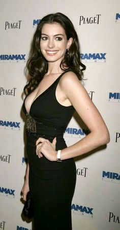 Anne she cool? Beautiful Celebrities, Beautiful Actresses, Gorgeous Women, Beautiful People, Actriz Anne Hathaway, Anne Jacqueline Hathaway, Anne Hattaway, Famous Women, Up Girl