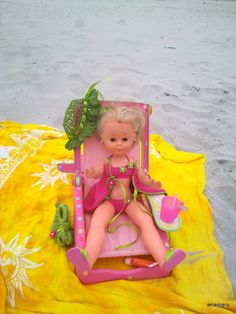 nancy se va a la playa...........  y un feliz verano !!...para todos los que han comenzado las vacaciones...  .......................saludos.anamary
