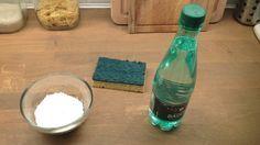 bicarbonate de soude et eau gazeuse pour nettoyer un tapis
